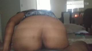 Ebony mom rides like a pro and shakes after I lick