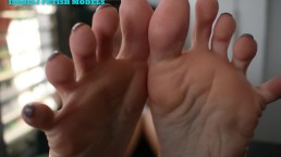 NICOLE CHILLIN IN THE BALCONY- SOLES INFRONT OF YOUR FACE