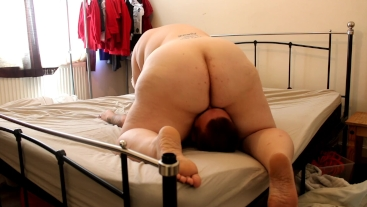 Fat wife rides my face and cock! creampie eating! cum swapping! BBW emma