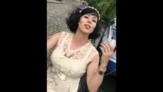 Maéva French Exibh trav à la Tour Eiffel porno