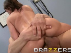 Brazzers -Doctor's Adventure - Diamond Foxxx & Chris Johnson - The Doc Pop