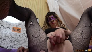 TS-girl Jerking her Cock