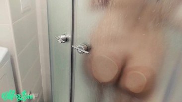 Spied to fuck in shower cabine.Handjob ruined orgasm - Mira Lime