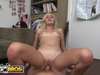 BANGBROS - Petite Blonde Naomi Woods Casting Video, Riding Tony Rubino
