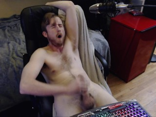 HOT YOUNG STUD CUMS ON CAM FOR LIVE AUDIENCE FREAKYKNIGHT CANADIAN GUY