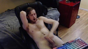 YOUNG CANADIAN GUY WITH BIG UNCUT DICK CUMS ON HAIRY CHEST. LIVE ON WEBCAM