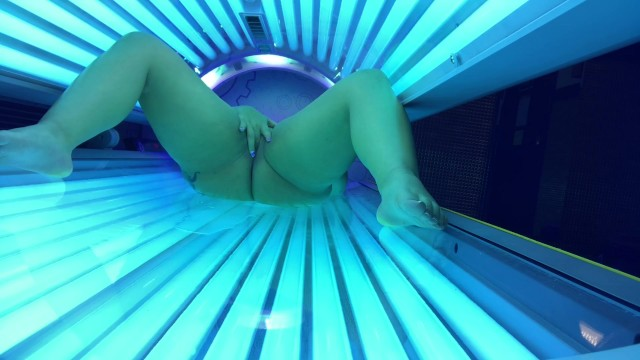 Public Tanning Bed Video MAJOR SQUIRT