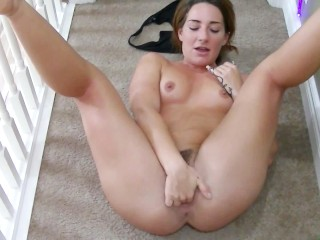 juicy booty babe makes homemade video with her man