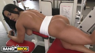 BANGBROS - Latin MILF Body Builder Becca Diamond Gets Her Ass Pounded