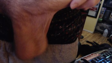 HOT HUNG UNCUT DICK SHOWED OFF BY CAM MODEL FREAKYKNIGHT FOR LIVE AUDIENCE