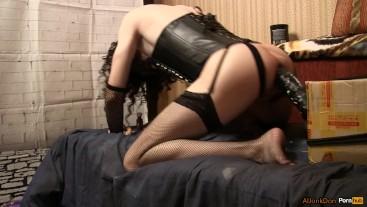 Goths TS-girl, rides on a huge dildo
