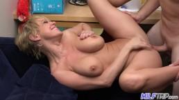 Big tit Blonde MILF Dee Williams fucks like a sex maniac