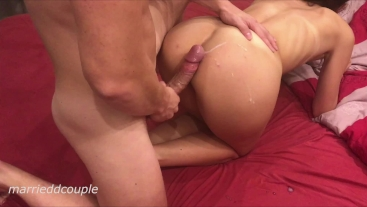 Hot Teen Get Doggy Fuck With A Big Dick