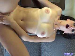 Image MILF Trip – sexy MILF Alana Cruise se deja follar el coño – parte 1