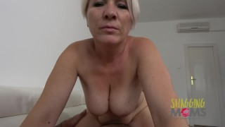 Thick MILF Loves Getting Pounded On The Sofa Cumshot blowjob