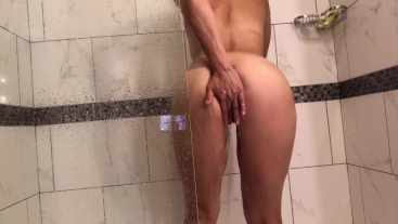 YOUNG LATINA GETS FUCKED HARD & ATE OUT IN SHOWER!#