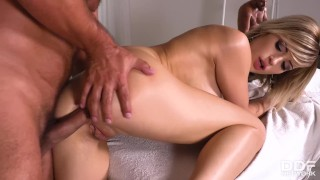Teenage massage therapist Ria Sunn can't wait to suck & ride clients cock