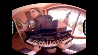 Luxury anal escort Heidi Van Horny rides your dick in VR POV hardcore porn