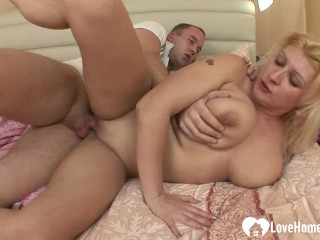 Hot Mom Sexy Boy Blonde with big tits gets a hard donger