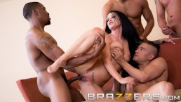 BRAZZERS HOUSE SEASON 3 EP2 Lena Paul hosts a free for all sex challenge