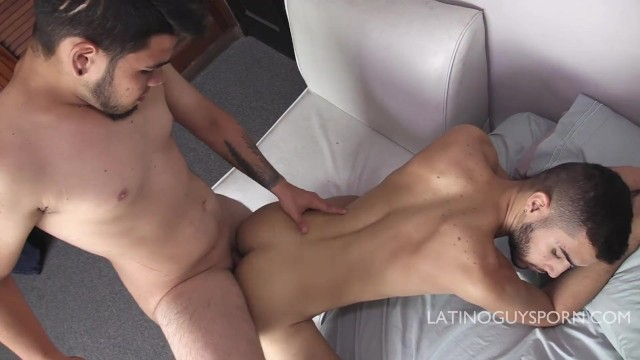 Guys gay porn hot ipod Chubby latin papi babe love to stick it in rapper, hot bareback action