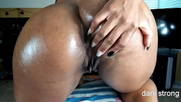 hot ebony MILF oils her ass and begs for CREAMPIE | FREE