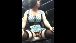 Exhib travesti Maéva French Ladyboy masturbation en pubkic