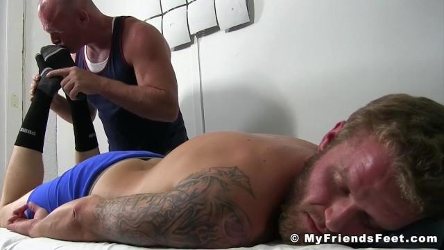 Resultado de imagem para INKED JOCK SHAWN REEVE BY BALDING HOMOSEXUAL MASSEUR porn