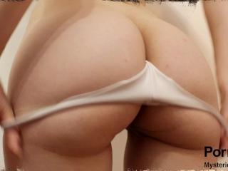 Adolescente Latina Bunduda - Provando Calcinhas Sexy