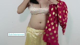 Clip Hot GIRLS SEXY BOOBS CLEAVAGE in Wearing SAREE