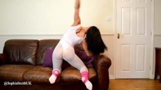 Flexible Dancer Kiki Strips To Nude Out Of Her Spandex
