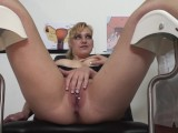 Blonde Milf Learns How to Squirt from the Doctor