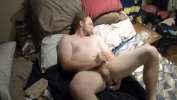 papà camionista cavalca un enorme giocattolo sessuale a spade