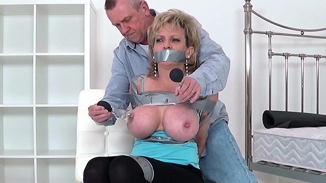 Lady sonia cum nipples Lady sonia has her nipples tortured then gets spanked