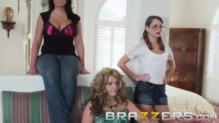 BRAZZERS - Pretty lil teen Riley Reid Gets all Dolled Up and Ready to Blow