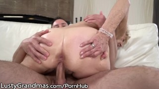 Injection hairy lustygrandmas mature young gets curvy meat pussy blowjob