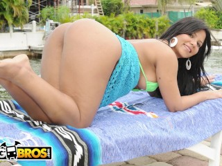 Chubby bondage galleries bangbros the way rose monroe moves that ass will hypnotize you, latinarampa