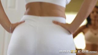 BRAZZERS - Our Queen Is Back - Lisa Ann in her first Anal scene in 3 years Group fuck