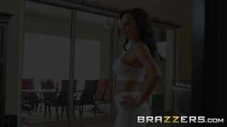 BRAZZERS - Our Queen Is Back - Lisa Ann in her first Anal scene in 3 years Daughter boobs