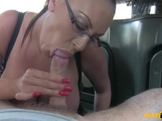 fake taxi huge tits brunette forgot her cash