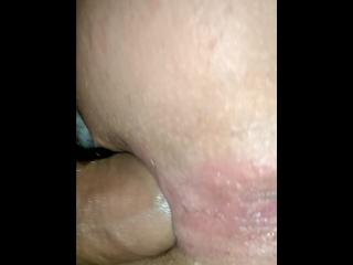 Anal slut get her big dick to asshole