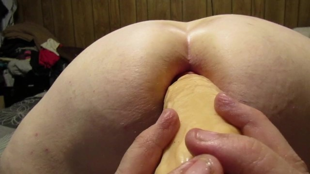 Extreamly large inflatble anal plugs - Monster dildo part 2. almost...inflatable butt plug first.