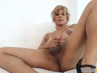 Spankwire mature women fuck young studs