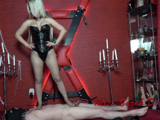 Chinese ponr trampling bitchy bitch, kink boots trample trampling fishnet femdom