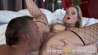 BRAZZERS - Desperate Housewife Alexis Texas shows off he ass-sets Massage voyeur