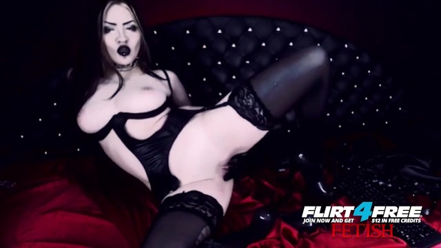 Free bangbus this goth loves dick Erny dark on flirt4free - goth babe in latex and stockings pleasures pussy
