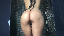 CrazyBella Naked Wet Look Of Me
