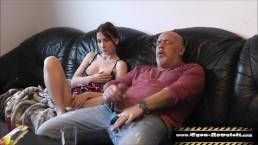 Tochter hilft Daddy-StepFamlienleben 2