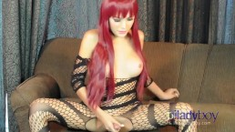 Pi Ladyboy in fishnets masturbate and Cum on her hands