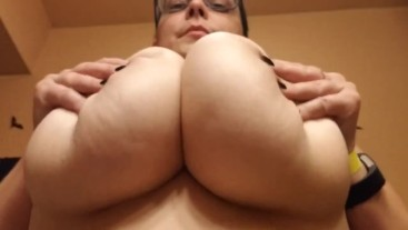 Big Natural Tits Upward View! Boob Bouncing, Thick & Stacked! Underboob :3